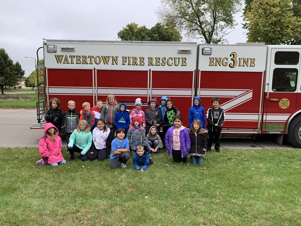 Mrs. Thomas' class with fire truck